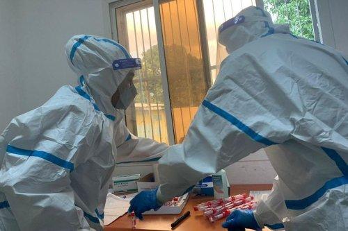 COMORES : Un médecin militaire contraint de recevoir une deuxième dose le même jour - Mayotte la 1ère