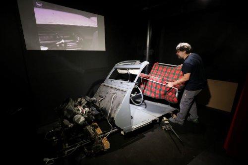 Saint-Raphaël : La 2CV du film Le Corniaud, exposée au musée Louis de Funès
