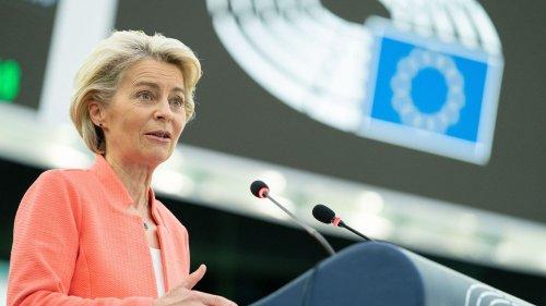 """Crise des sous-marins australiens : la France a été traitée de façon """"inacceptable"""", dénonce la présidente de la Commission européenne"""