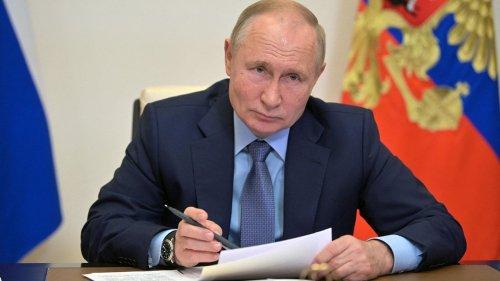 Covid-19 : Vladimir Poutine décrète une semaine chômée pour enrayer la flambée de l'épidémie en Russie