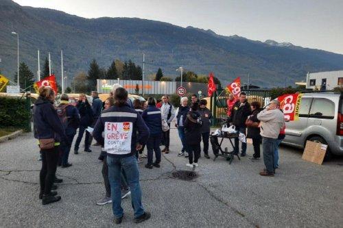 Albertville : les agents de La Poste en grève contre une restructuration de leur service