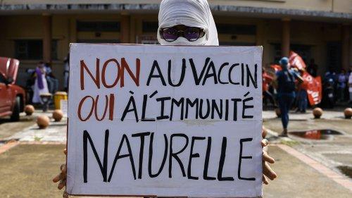 Crise sanitaire en Martinique : la méfiance des Martiniquais face au vaccin, conséquence du scandale du chlordécone