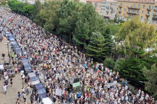 "Manifestation anti-pass sanitaire : selon Christian Estrosi, ""les Niçois n'en peuvent plus"""