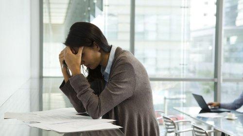 """Charge mentale liée au travail : """"L'exemplarité des managers est extrêmement importante"""", souligne un psychologue"""