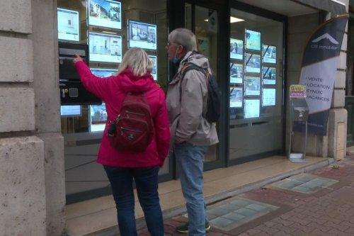 """Boom de l'immobilier en Savoie : """"On rentre une maison, elle est vendue dans les 24 à 48 heures sans négociation"""""""