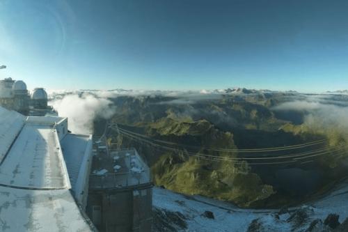 Météo : une vague de froid exceptionnelle provoque de la neige sur les Pyrénées et des records de fraîcheur en Occitanie