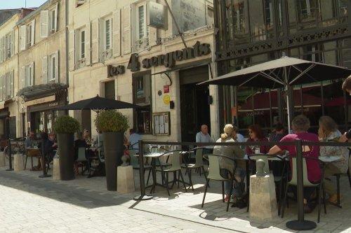 """A La Rochelle de nombreux restaurants fermés pour cause de covid : """"on travaille tous avec la boule au ventre"""""""