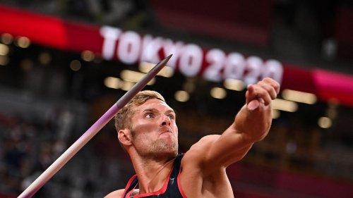 JO 2021 : Kevin Mayer bat son record personnel au javelot et passe deuxième du décathlon à une épreuve de la fin
