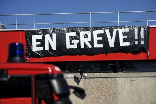 """Loiret : à Saint-Jean-de-Braye, les agents municipaux en grève pour dénoncer la """"violation régulière"""" de leurs droits"""
