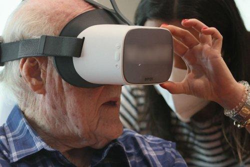 Au CHU de Nice, on teste la réalité virtuelle comme thérapie pour les personnes atteintes de la maladie d'Alzheimer