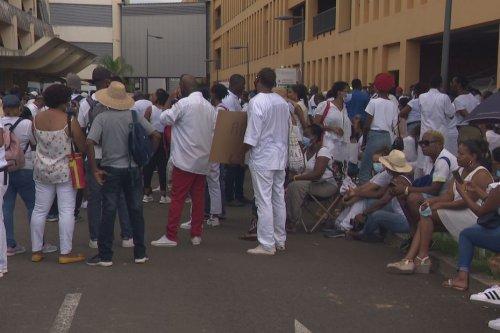 """La direction du CHUM annonce que """"tous les personnels pourront entrer"""" avec ou sans pass sanitaire - Martinique la 1ère"""