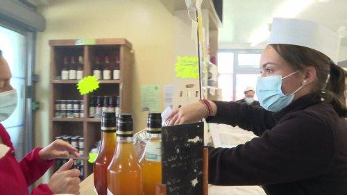"""Un crêpier breton invente le """"sac'h"""" pour transporter les galettes"""