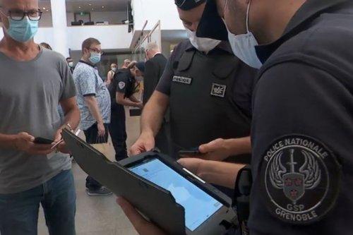Pass sanitaire : première opération de contrôle au musée de Grenoble