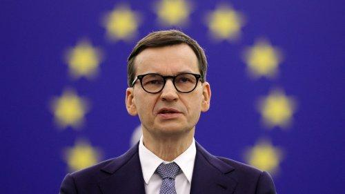"""Tensions entre l'Union européenne et la Pologne : Varsovie veut """"garder la main sur sa justice"""", selon le président de la fondation Robert Schuman"""