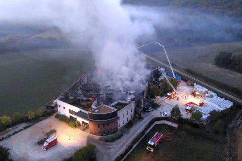 Gard : un laboratoire de 2.400m2 détruit dans un important incendie à Lussan