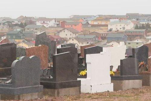 La Covid-19 complique les démarches funéraires à Saint-Pierre et Miquelon - Saint-Pierre et Miquelon la 1ère