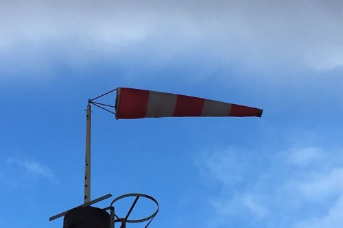 Tempête Aurore : vents violents en Vendée et en Loire-Atlantique, risque de fermeture du pont de Saint-Nazaire en soirée