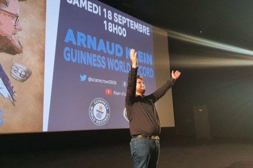 Kaamelott : un record du monde battu à Reims par Arnaud Klein qui a vu 203 fois le film d'Alexandre Astier