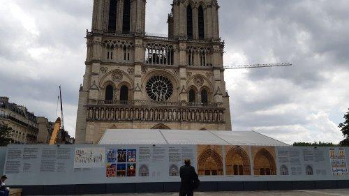 """Paris : la préfecture ferme provisoirement le parvis de la cathédrale Notre-Dame en raison d'une hausse des """"concentrations de poussières de plomb"""""""