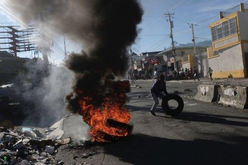 Rues enflammées et affrontements violents à cause de la pénurie de carburant en Haïti - Martinique la 1ère