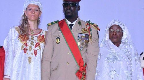 Guinée : le colonel Mamady Doumbouya écarte 42 généraux, mis à la retraite d'office