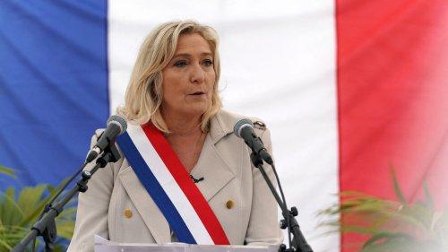 """Affaire des assistants d'eurodéputés : le Front national de Marine Le Pen a """"mis en place un système organisé frauduleux"""", selon un rapport de police"""