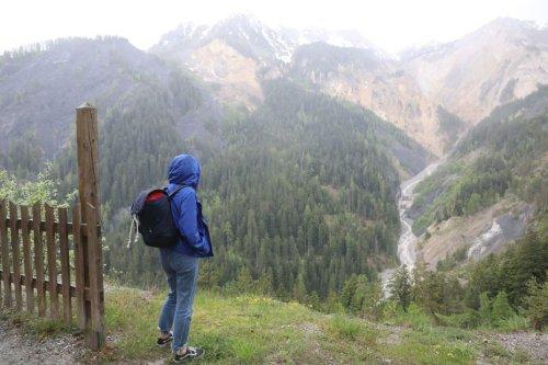 Hautes-Alpes: un squelette de femme retrouvé dans le massif du Morgon, peut-être celui d'une des disparues du Boscodon