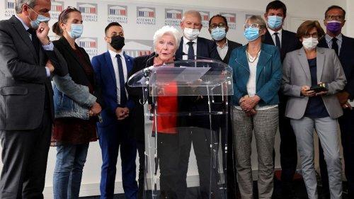 """Fin de vie : """"votez le plus vite possible"""", plaide Line Renaud auprès des députés"""