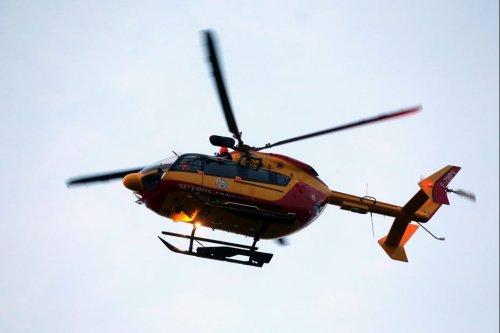 Mont-Saint-Michel : l'hélicoptère Dragon 50 vole au secours de 7 personnes piégées par la marée