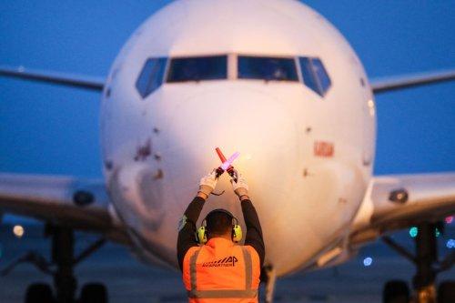 #OnVousRépond : Pass sanitaire, test PCR et quarantaine... Qu'est-ce qui vous attend à la descente de l'avion ?