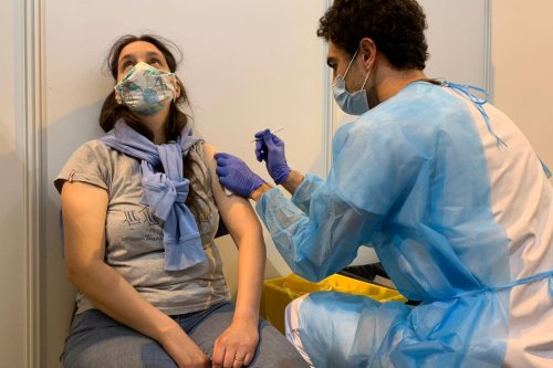"""Covid-19 : """"Rendre la vaccination obligatoire ? Pourquoi pas. Mais comment ?"""" s'interroge le patron du Samu 31"""