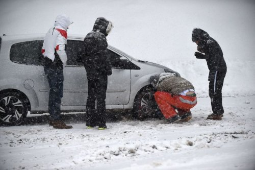 CARTE. Pneus neige ou chaînes obligatoires : en Auvergne-Rhône-Alpes, tout ce que vous devez savoir