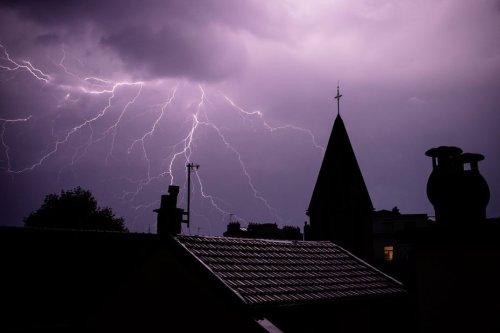 Pluies et orages : six départements d'Auvergne-Rhône-Alpes désormais en vigilance orange