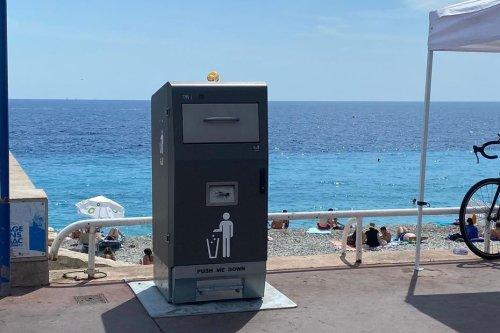 Nice : des poubelles compactrices alimentées à l'énergie solaire en test pendant 6 mois sur la Promenade des Anglais