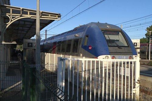 Intempéries. Le quotidien compliqué des usagers privés de trains entre Lunel et Nîmes à cause des dégâts des inondations