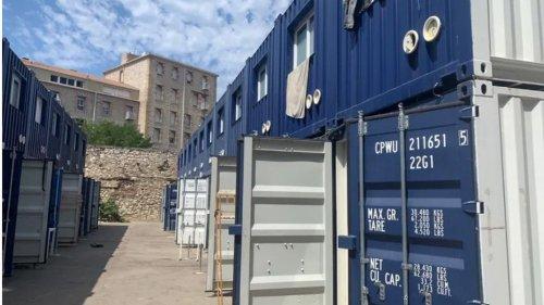"""À Marseille, les habitants d'une résidence en travaux relogés dans des conteneurs : """"On est en prison ici !"""""""