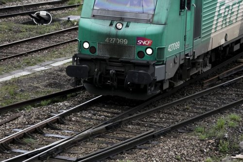 Nord Pas-de-Calais : les cheminots en grève sur les sites fret SNCF de Somain et Lens pour dénoncer l'état des voies