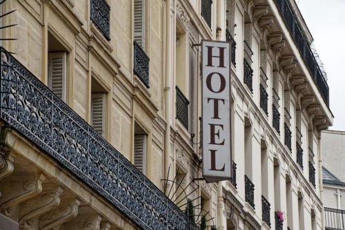 Plus de la moitié des hôtels indépendants fermés en août à Paris faute de touristes
