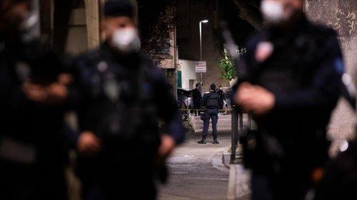 """""""Plus qu'avant, nous sommes devenus des cibles dans cette société"""" : en colère, les policiers veulent se faire entendre du gouvernement"""