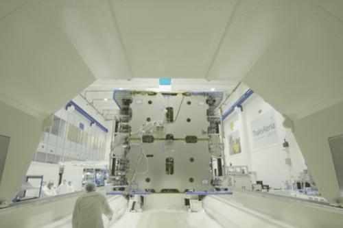 Toulouse : Konnect VHTS, l'un des plus gros satellites jamais conçu part pour Cannes avant son lancement en 2022