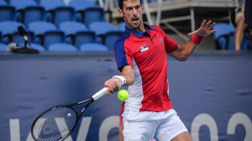 VIDEO. JO 2021 - Tennis : raquette jetée puis explosée, Novak Djokovic perd ses nerfs