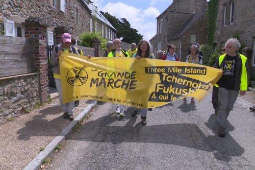 """Départ de la """"Grande Marche"""" de la Hague à Paris pour un débat sur le nucléaire et la transition énergétique"""