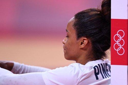 JO 2021 : abattues après leur défaite face à la Russie, les handballeuses françaises au pied du mur - Outre-mer la 1ère