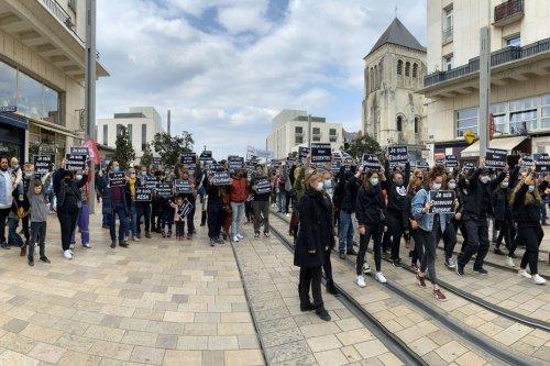 Culture : une réforme de l'assurance-chômage qui ne passe pas, des centaines de personnes manifestent à Tours et Orléans