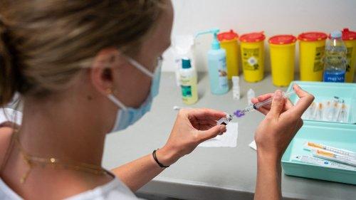 Vaccins contre le Covid-19 : la fédération hospitalière plaide en faveur de la vaccination obligatoire