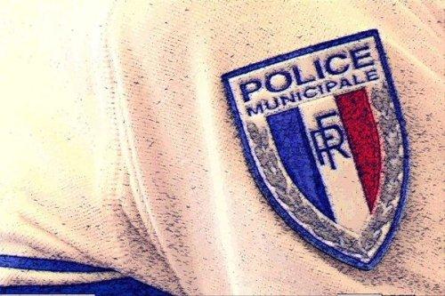 """Attentat de la basilique de Nice : """"la fierté d'avoir sans doute sauvé d'autres personnes"""" pour les policiers municipaux"""
