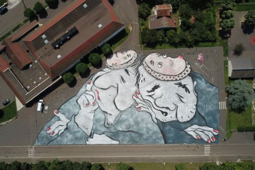 INSOLITE. Deux street-artistes réalisent une fresque monumentale à Semur-en-Auxois