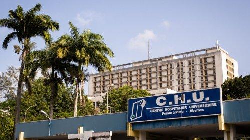 """""""Je ne peux pas appliquer la loi"""" : au CHU de Guadeloupe, 74% du personnel non médical n'est pas vacciné"""