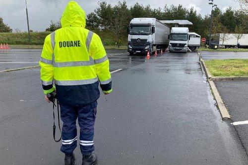 Opération anti-drogue dans le Cantal : sur l'A75, les camions passés aux rayons X