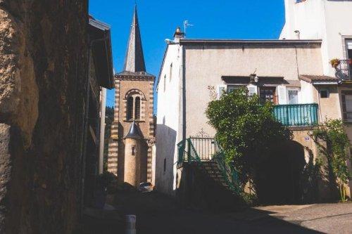 """Puy-de-Dôme : """"La cloche sonne à peu près 564 fois par jour"""" et provoque l'exaspération d'un habitant"""
